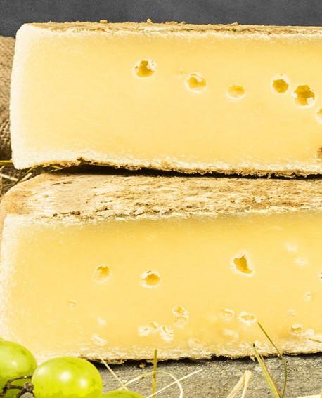 Crot valchiavenna di montagna latte crudo 2kg stagionatura 180gg - Gildo Formaggi