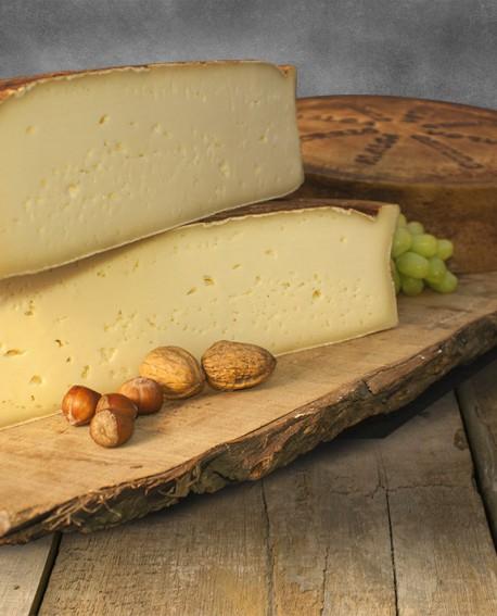 Malga Bormio latte crudo di montagna 2kg stagionatura 90gg - Gildo Formaggi